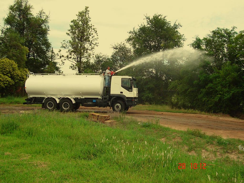 tanque-transporte-agua-j